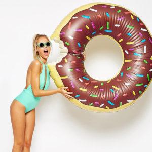 donut-cioccolato-gonfabile-piscina