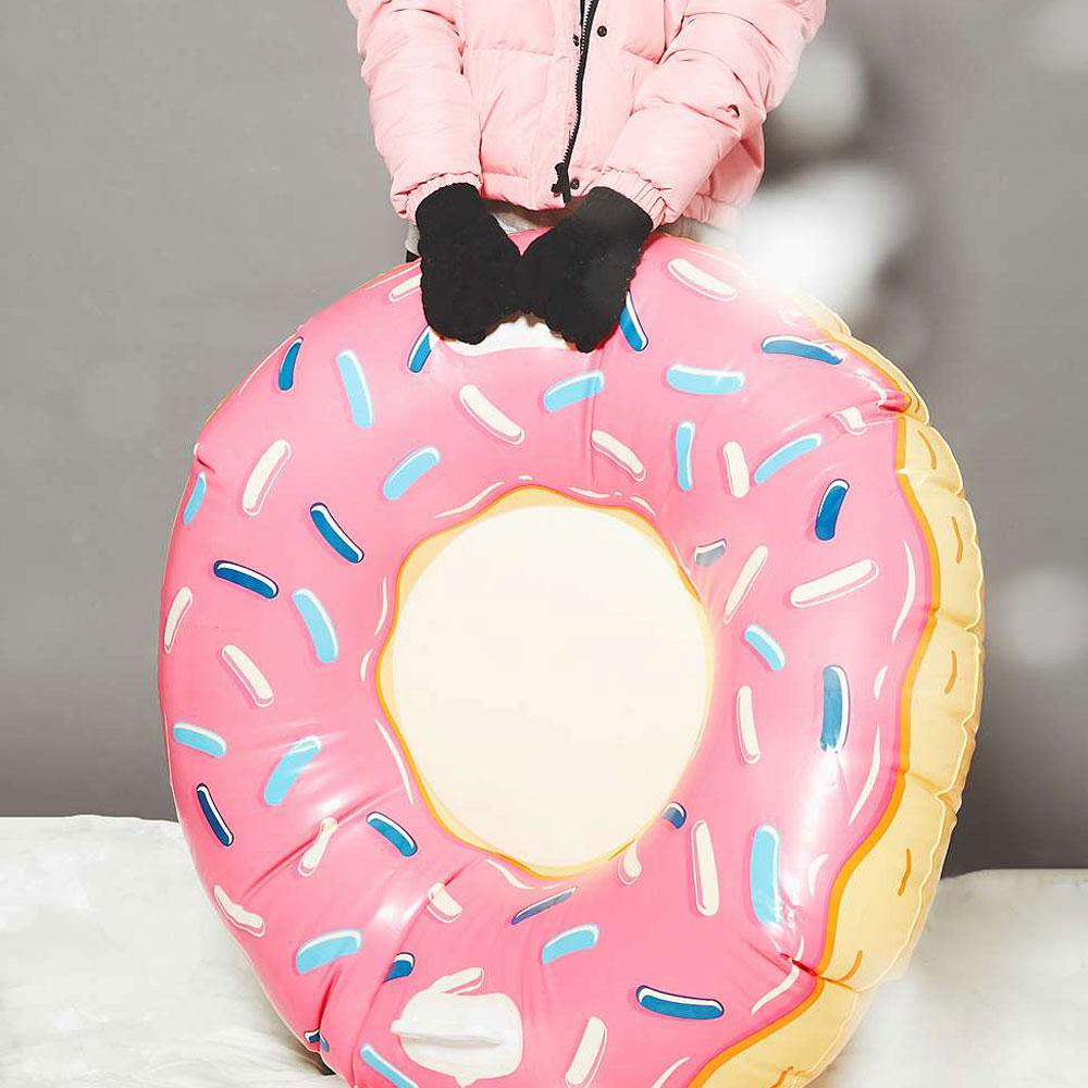 pink-donut-snow-tube-slittino