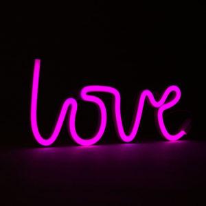 scritta-love-neon-rosa