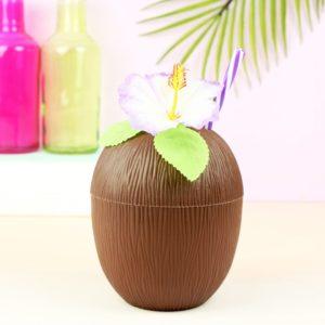 bicchiere cocco cannuccia