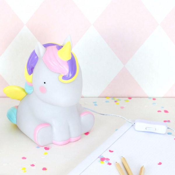 lampada comodino unicorno