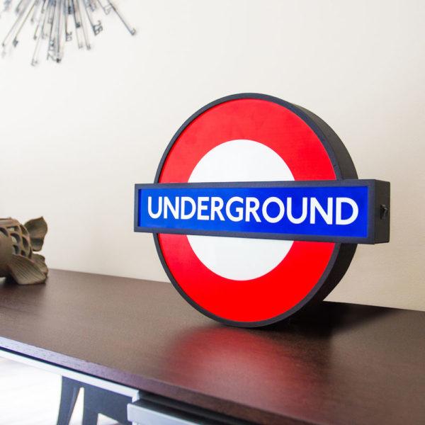 underground-light-train-station-london-goolp